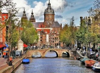 Dutchies Hostel Explore Amsterdam